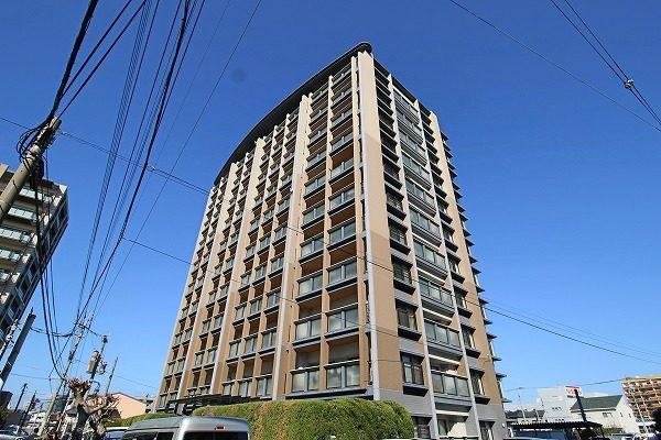 福岡県福岡市博多区の最上階♪角住戸♪リフォーム済み♪4LDKのお部屋です